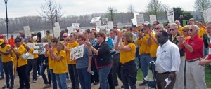 MAKING THEIR MESSAGE CLEAR, about 200 union members and activists rallied in Frontier Park in Missouri Senate President Pro Tem Tom Dempsey's St. Charles district April 8 to express their opposition to paycheck deception, right-to-work for less and anti-prevailing wage measures currently under consideration in the Missouri Legislature. – Labor Tribune photo