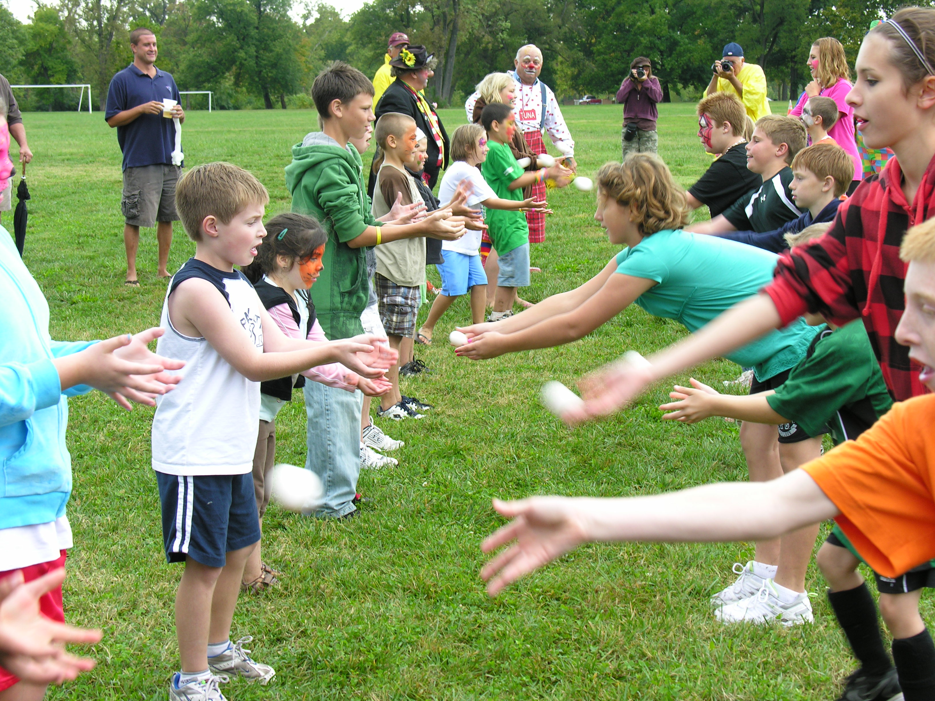 Outdoor Team Building Activities For Large Groups