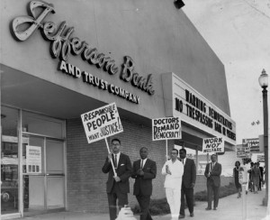 PROTESTERS PICKETING outside Jefferson Bank on Aug. 30, 1963.
