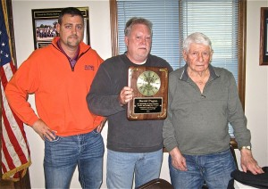 DAVE PAGAN (right) accepts a plaque honoring his 75 years in the Laborers, from Glyn Ramage, business manager for the Southwestern Illinois Laborers District Council, along with Local 100 Business Manager Bobby Green. – Labor Tribune photo
