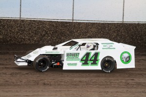 UNION RACER: Utility Workers Local 335 member Jared Kneemiller races his U.M.P. Modified at Tri-City Speedway and elsewhere in Missouri and Illinois,  proudly displaying the union logo on the rear quarter panel of his car. – Jimmy Dearing photo
