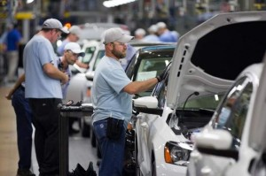 "MISGUIDED OR MISLED? VW workers in Chattanooga voted 712 to 626 against joining the United Auto Workers even though VW did not oppose unionization and seemed, in some ways, to give tacit approval for unionization as a step toward establishing a German-style ""works council"" at the plant. – Erik Schelzig /AP photo"