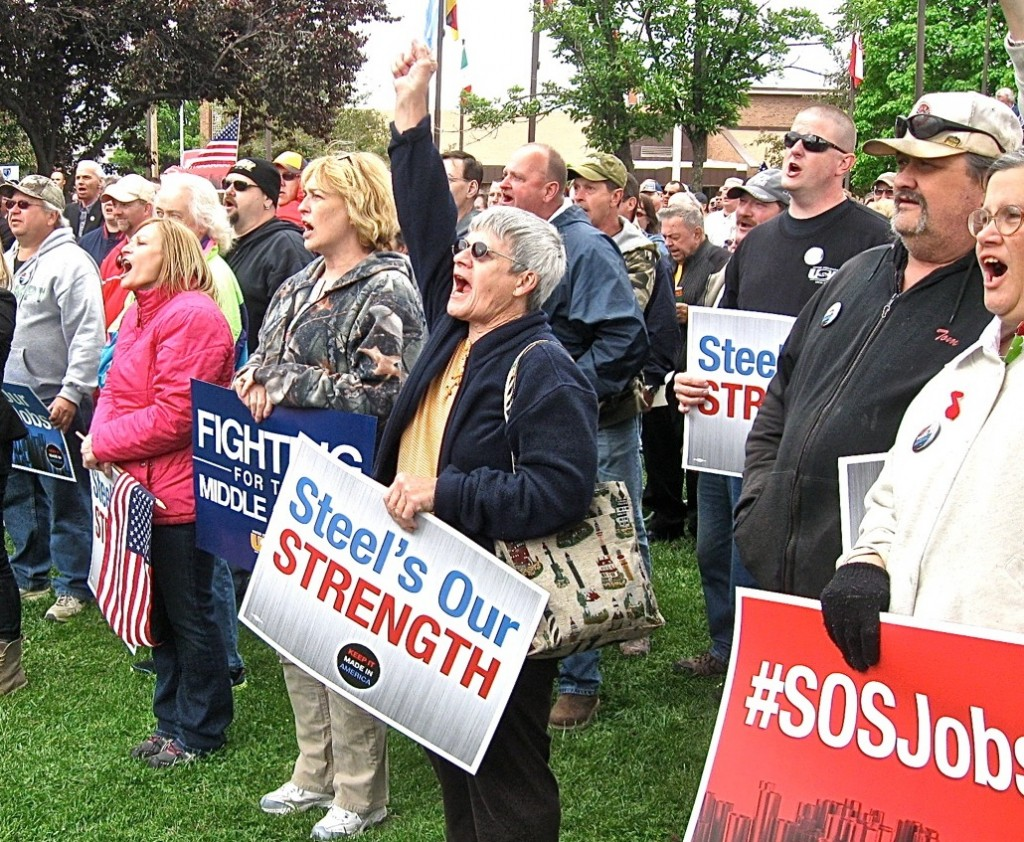 STEEL WORKERS and Granite City residents chant for protection of U.S. steel workers and manufacturing jobs from low-ball import sales. – Labor Tribune photo