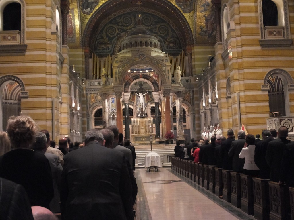 CELEBRATING THE LIFE of Dick Mantia at a June 9, 2014 mass at the Cathedral Basilica in St. Louis. – Labor Tribune photo