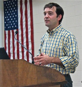 GIDEON BLUSTEIN of the Illinois Department of Employment Security speaks to the Southwestern Illinois Building and Construction Trades Council.  – Labor Tribune photo