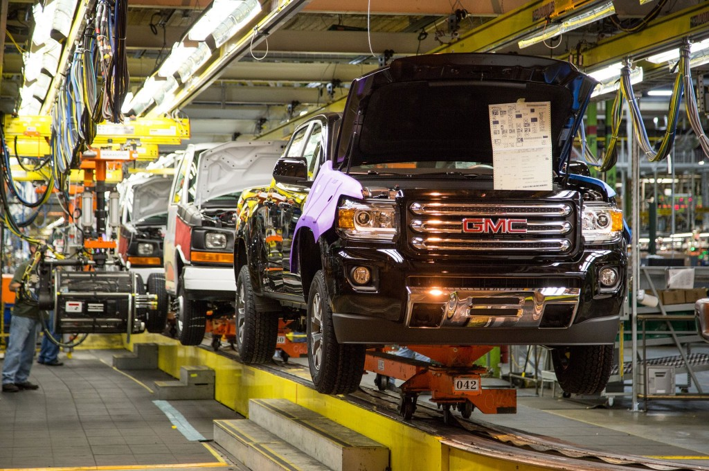 THE 2015 GMC CANYON moving down the line at the Wentzville assembly plant.