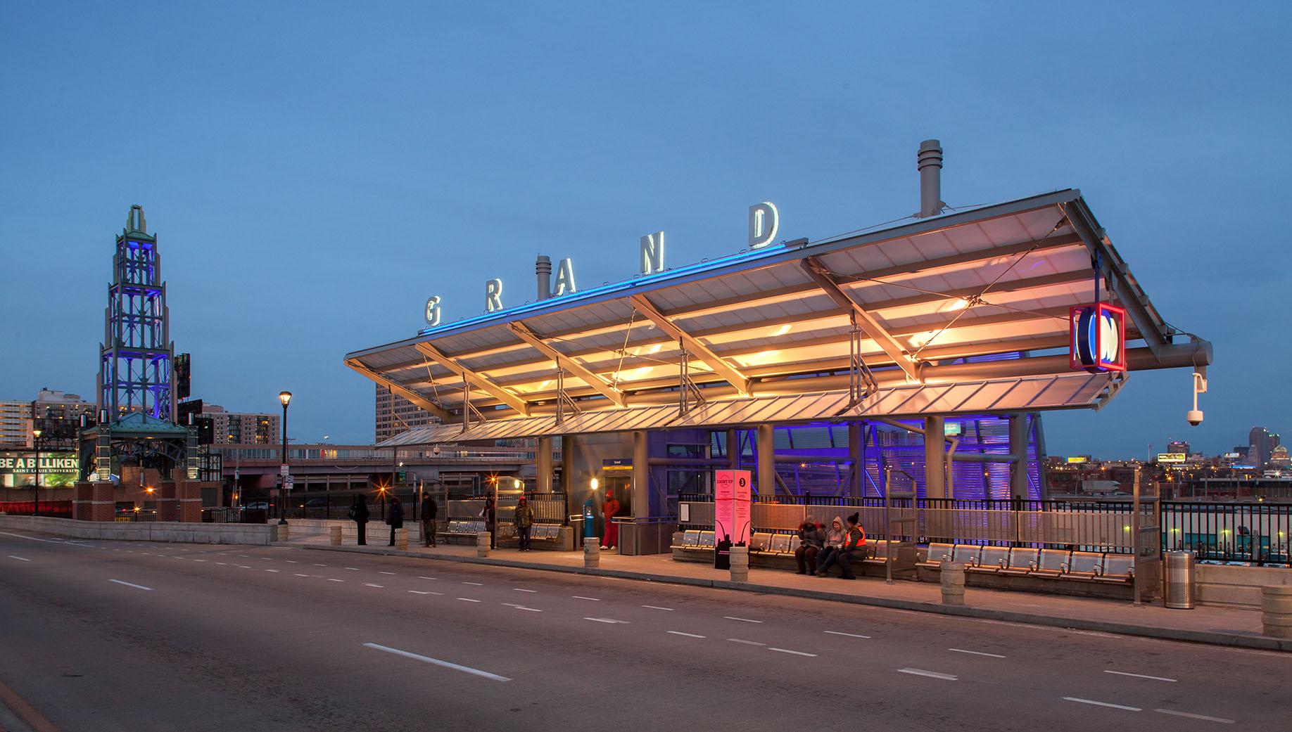 Grand Ave MetroLink