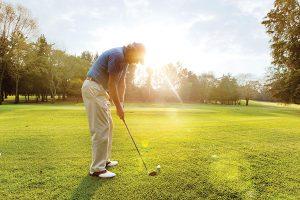 Golfer-in-sunLT